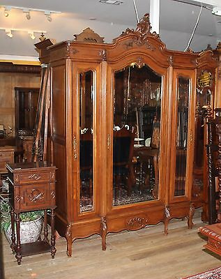 Beautiful French Antique Louis XV 3 Door Walnut Armoire + 3 Adjustable Shelves.