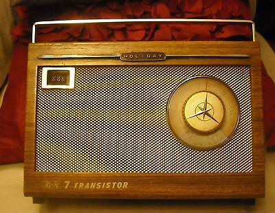 Vintage   Hi-Fi 7 Transistor  Holiday Radio model 888,