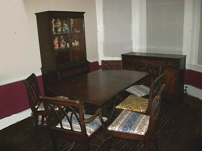 Mahogany Dining room Set  Table China Buffet 6 chairs. Ten pieces