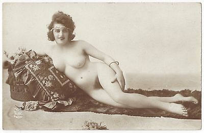 1920 French NUDE Photograph - Curvy & Reclining - Full Frontal Big Bush