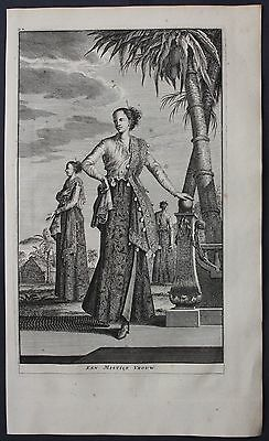 1726 Maluku islands Moluccas costume woman engraving antique print Valentijn