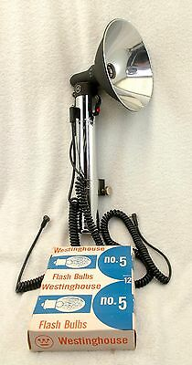 "HEILAND RESEARCH HR 3-Cell 10"" Flash Gun with Reflector Flash Bulbs SYNC Cords"