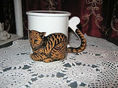"""Ceramic Cat Coffee/Tea Cup with Lid 3-1/2""""Tall - Japan (Pre-owned)"""