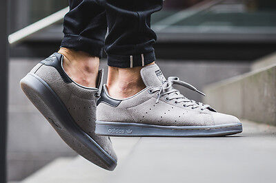 S80031) Mens Adidas Stan Smith Charcoal Solid Grey Suede