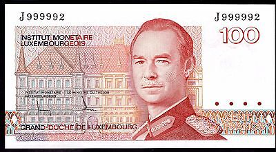 Luxembourg. 100 Francs, J999992, (1986), Almost Uncirculated.