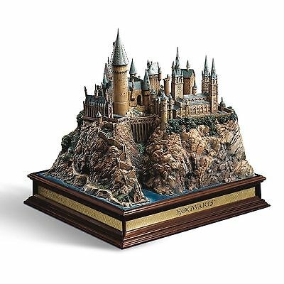 Hogwarts School Sculpture Harry Potter The Noble Collection NN7074