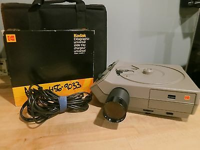 Kodak Ektagraphic III Aslide projector, case, zoom, remote, and extra bulb
