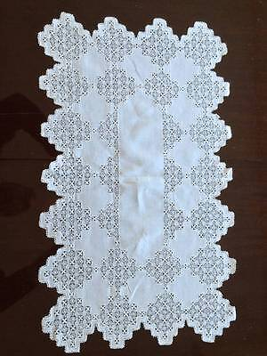 Vintage Linen Italian Needle Lace Table Runner Maltese Cross Circa 1900-20 Webs