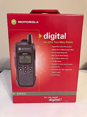 New Motorola DTR410 Digital On Site Portable 2 Way Radio 900MHz Walkie Talkie