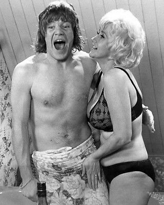 Robin Askwith & Liz Fraser [1040657] 8x10 photo (+ other sizes inc Poster)