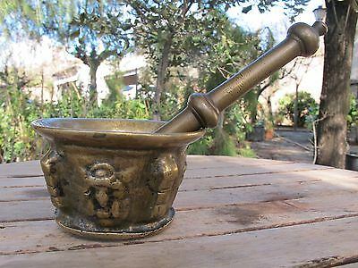 AWESOME ANTIQUE OLD 19TH CENTURY BRONZE MORTAR AND PESTLE (watch pictures!!!)