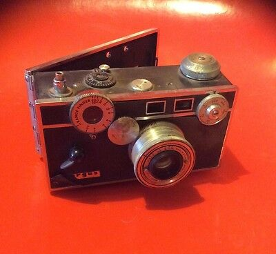 Vintage Black Argus C3 Brick 35mm Camera With Case