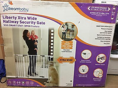 Dreambaby Liberty Extra Wide Safety Stair Hallway Gate White Pressure Fit