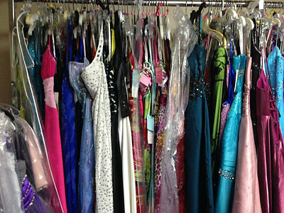 LOT of 6 PROM PAGEANT HOMECOMING CRUISE FORMAL DRESSES SIZES 2-4 $1200+VALUE