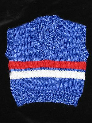 HAND KNITTED FOOTSCRAY WESTERN BULLDOGS FOOTBALL BABY VEST 0-3 Months