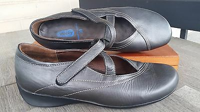 Wolky Women's Flats Shoes Grey Leather, Size 39/ 8 US, EUC