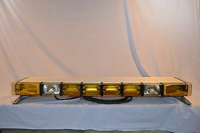 "50"" Whelen Ultra 12 strobe Light Bar Amber"