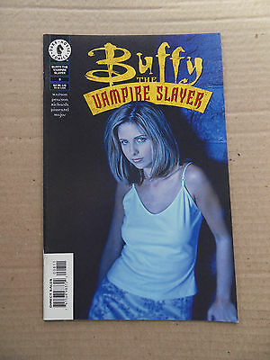 Buffy The vampire Slayer 8 . (TV) Photo Cover . Dark Horse 1999 - VF - minus