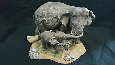 344A/  Lenox Elephants Asia Figurine Wildlife Of The Seven Continents