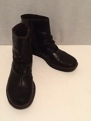 Women's Clarks Black Leather Side Zip Fashion Ankle Boots Size 9. 5 Medium Nice