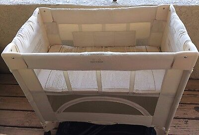 Arms Reach concepts co-sleeper bassinet mini arc in Natural