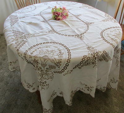 "VINTAGE MADEIRA HAND EMBROIDERED LINEN TABLECLOTH~84""x65""~GREMIO TAG"
