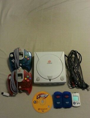 sega dreamcast console bundle 2controllers 1 game all cords everything works goo