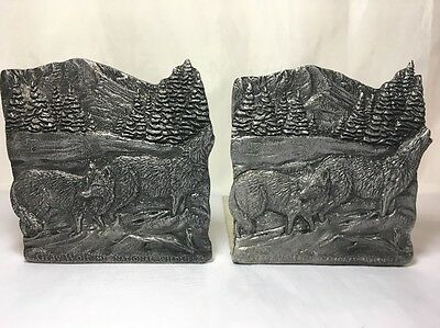Bookends National Wildlife Gray Wolf Metal 1992 Vintage