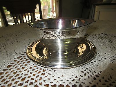 Vintage Silverplate Gravy/sauce Boat Attached Underplate