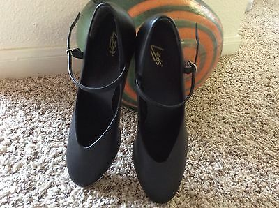 NEW Leo's Women Tap Dance Shoes Black With Strap Size 9.5
