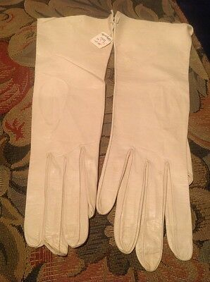 Vintage CHRISTIAN DIOR Opera Length Cream Colored Leather Gloves Size 7 1/2 NWT