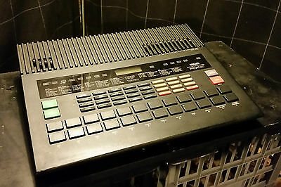 Yamaha RX5 RX-5 Vintage Programmable Digital Drum Rhythm Machine Sequencer MIDI