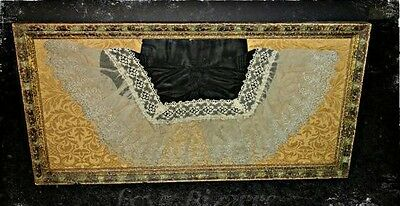 Victorian/Edwardian 1900s Vintage Lace Collar in Custom Frame