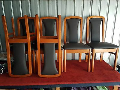 Set of 6 Kitchen / Dinning Chairs (Leather/Hardwood)