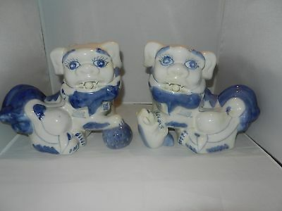 Vintage Pair of Porcelain Chinese Fu Foo Dogs Lions Blue and White Statue Figuri