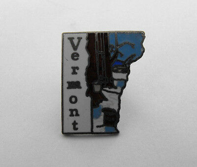 Vintage VERMONT The Green Mountain State Enamel Hat Lapel Pin Tie Tack