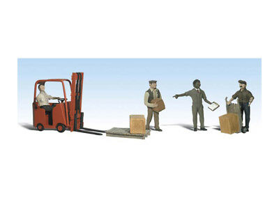 Woodland Scenics Workers With Forklift N WOOA2192