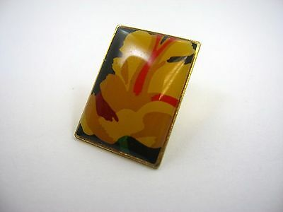 Vintage Collectible Pin: Beautiful Flower Design