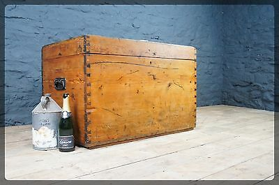Large Vintage Pine Chest / Trunk / Blanket / Toy Box - Great Storage