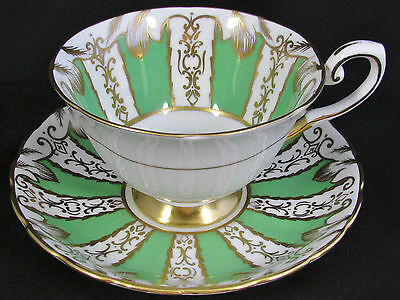 Tuscan Apple Green Gold Gilt Hp Designs Tea Cup And Saucer