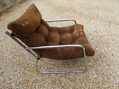 FAUTEUIL BAS  DESIGN  ASSISE VELOURS METAL CHROMEE  VINTAGE 1970 /loan
