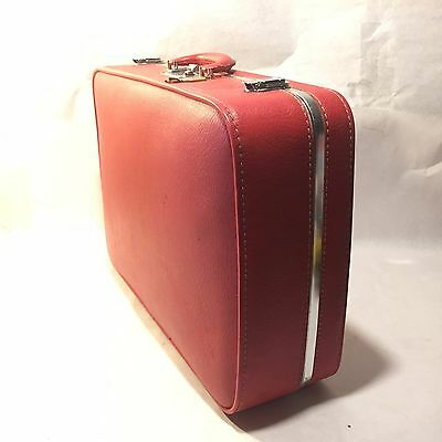 "Vtg Ventura 20"" W x15.5"" H x 6"" H Red Hard Case Vinyl Suitcase w Tag Travel Bag"