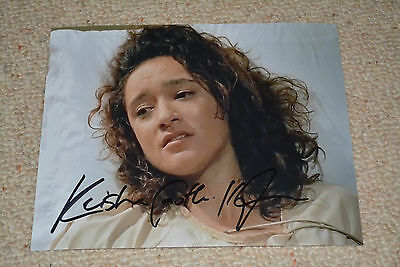 KEISHA CASTLE-HUGHES signed Autogramm 20x25 cm In Person THE WALKING DEAD