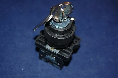 1PC FITS XB2 EG73 22MM 3 Position Momentary Key Select Selector Switch 2NO