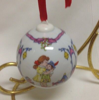2002 Under The Mistletoe Annual China Christmas Ball Ornament By Hutschenruther