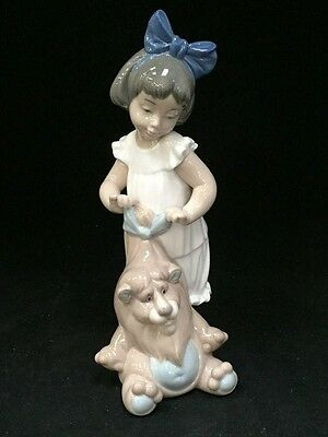 Nao by Lladro No 1287 My Lovely Lion Girl