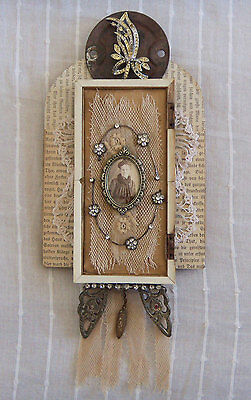 Altered Vintage Found Objects ASSEMBLAGE ART - SHADOW BOX #1286 Costume Jewelry