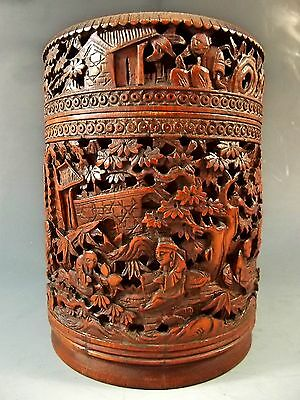 19th CENTURY CHINESE CARVED BAMBOO BOX AND COVER