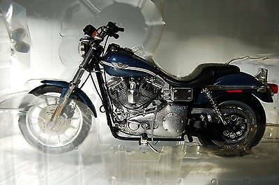 HARLEY DAVIDSON DYNA SUPER GLIDE SPORT 1/10th  MODEL  MOTORCYCLE