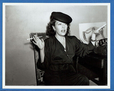 Rare 1942 Gloria Swanson Candid News Photo 2 - 1990s 8X10 Print